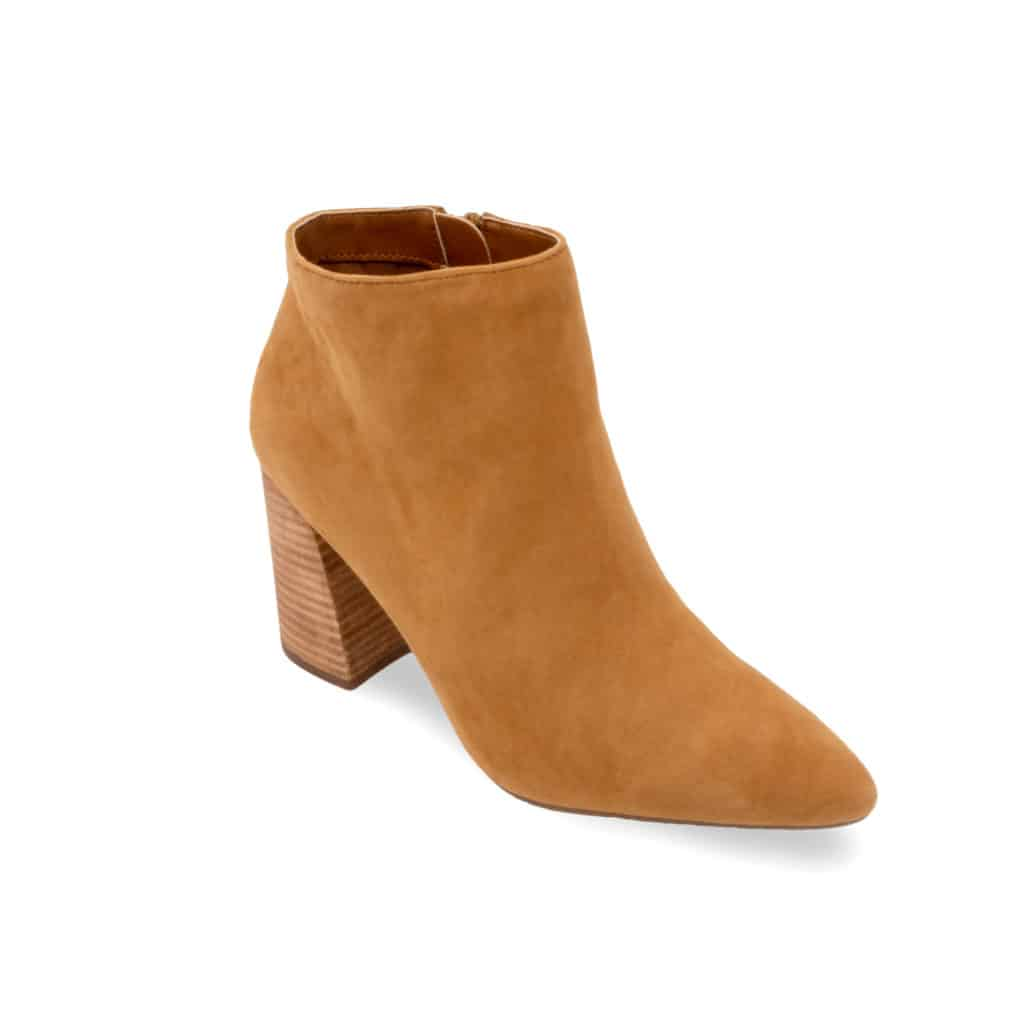 Camel boot with heel - product photography